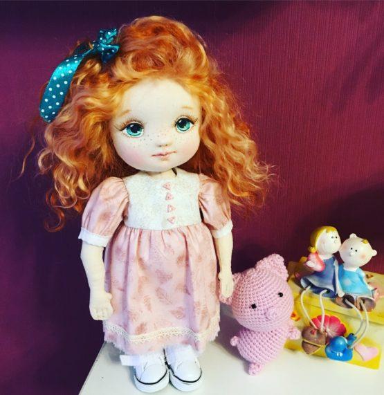 Интерьерная кукла с ленточкой